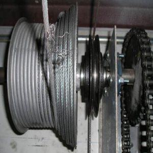 Broken-garage-door-cables